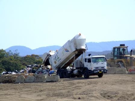 A truck tipping to landfill at Blaxland WMF
