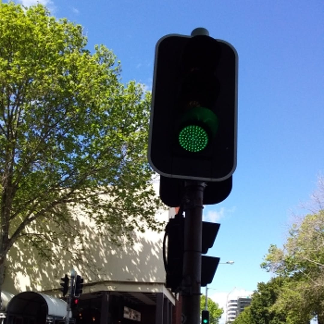 Traffic light tile bong bong