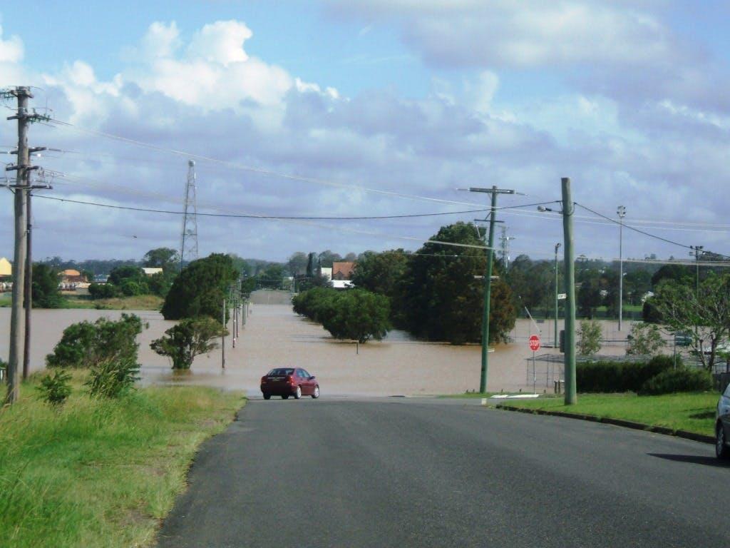 Kemp Street Kempsey in flood