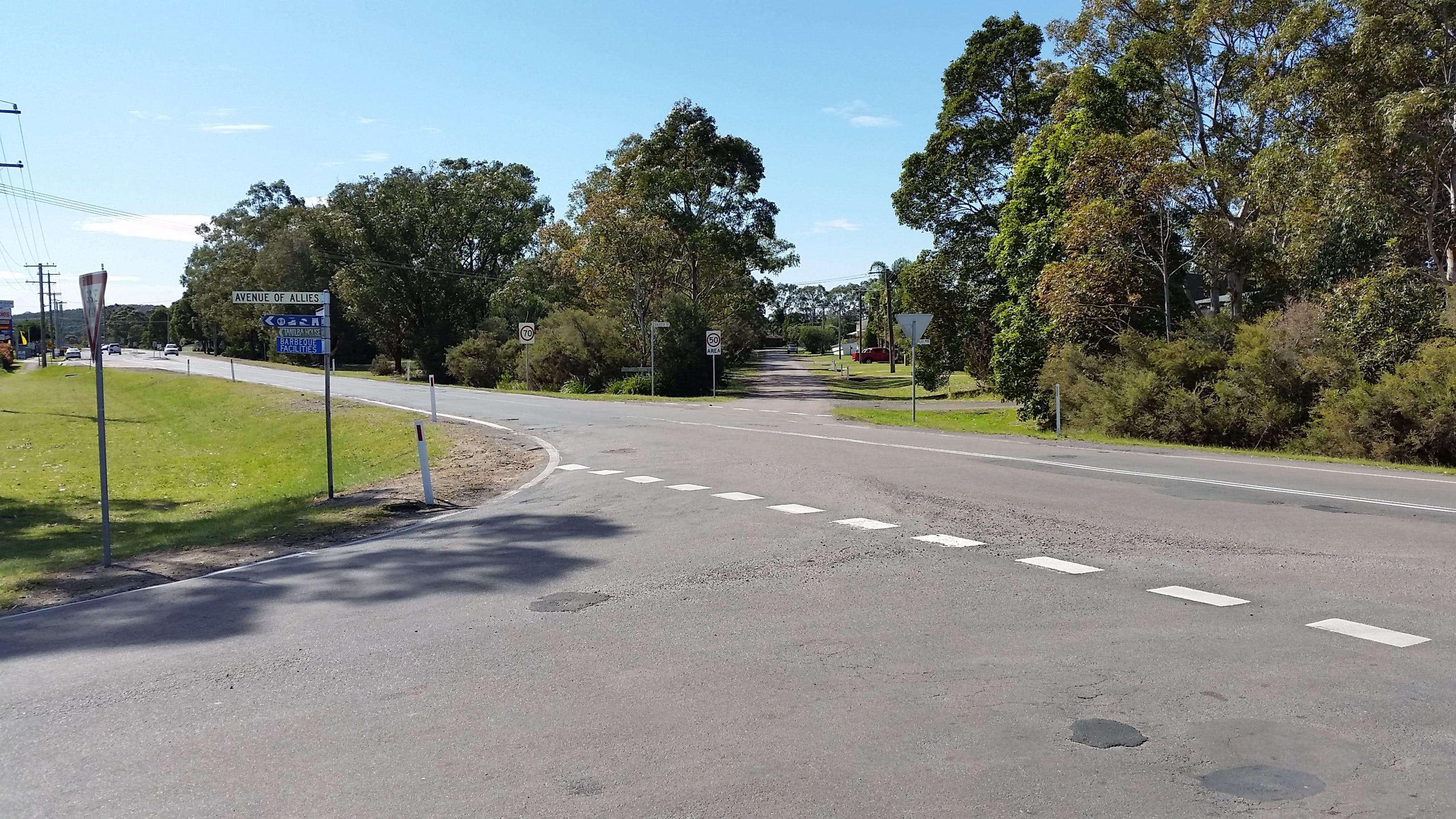 Lemon Tree Passage Rd & Success St Intersection