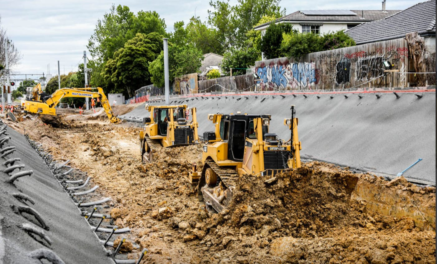 04 burke rd - Construct Gardiner station.PNG