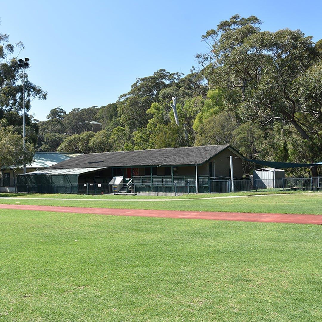 Balmoral Oval