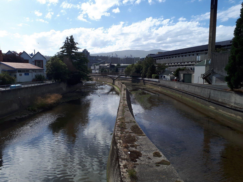 View from Anzac Av bridge to Footbridge
