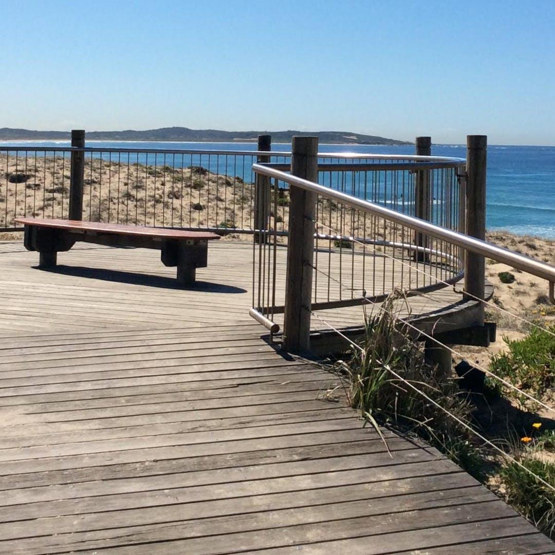 Wanda Beach lookout