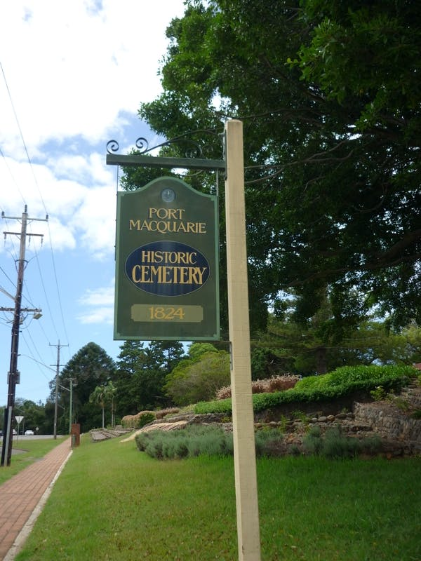 Historic Cemetery sign