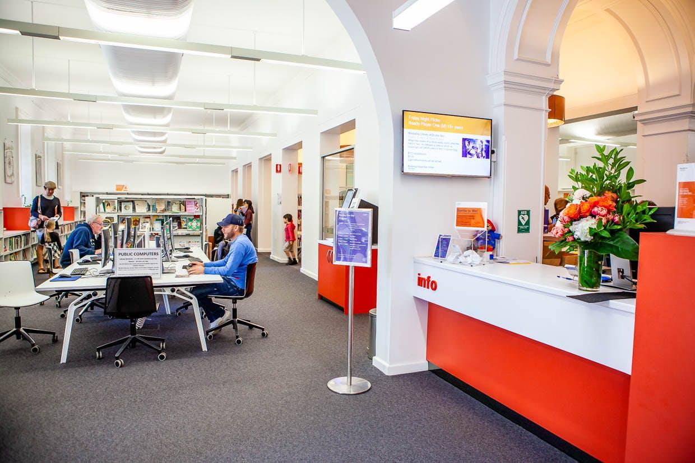 Paddington PC's and Welcome Desk