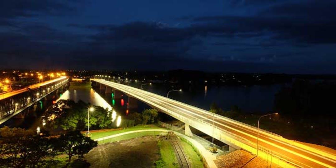 New Grafton Bridge by night
