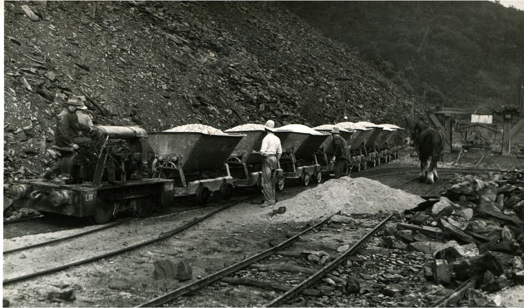 Hauling material from quarry.jpg