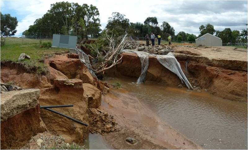 Stringybark Creek flowing into Lake Albert