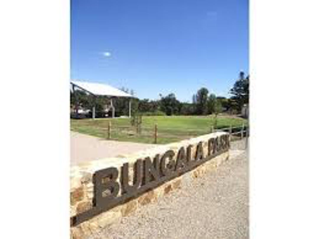 Bungala park wall