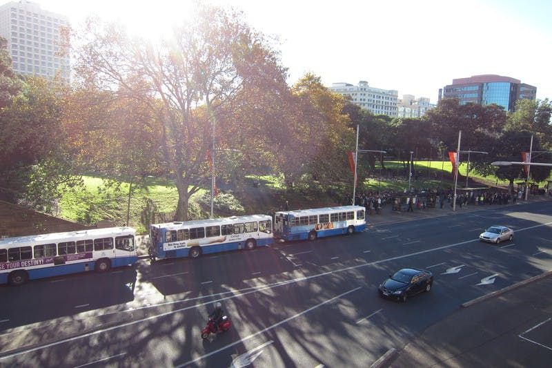 Busses for UNSW queue at central