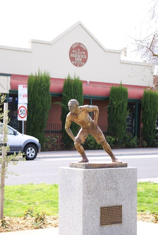 Edwin Flack Memorial