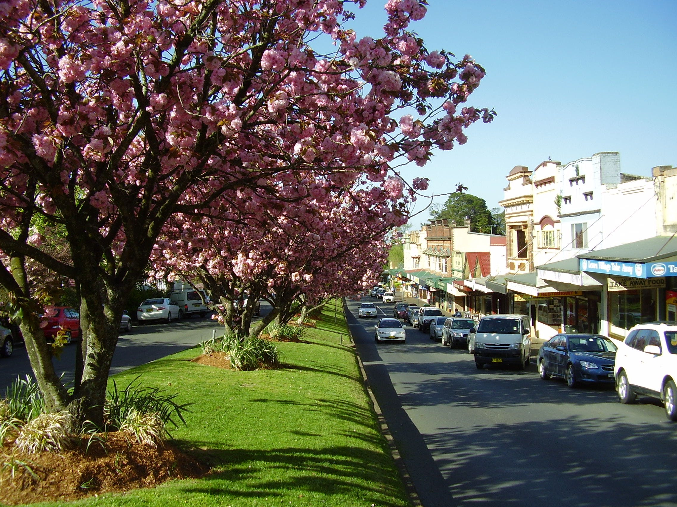 Leura Mall (south facing)